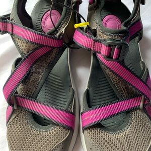 Brand new teva sandals